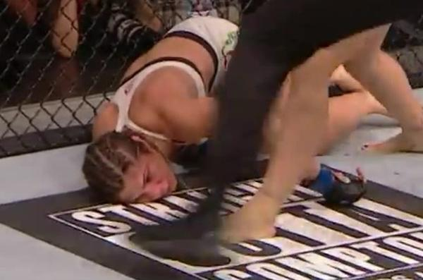 Correia Kissing the mat
